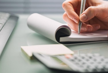 Managing Credit History for Small Businesses